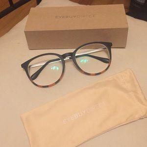 Accessories - Brand New Stylish Glasses